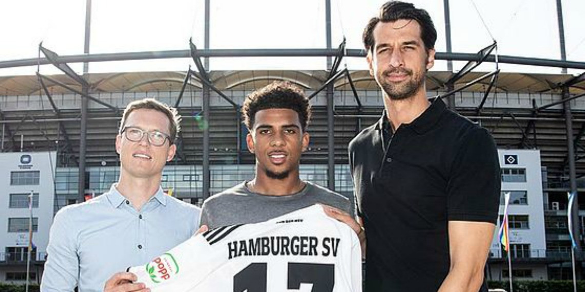 Nigerian youngster Xavier Amaechi, 18, ?signs for Hamburg in ?2.25m deal from Arsenal