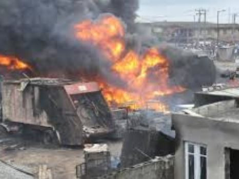 Fire destroys 20 vehicles, 10 shops at Owode Onirin market in Lagos