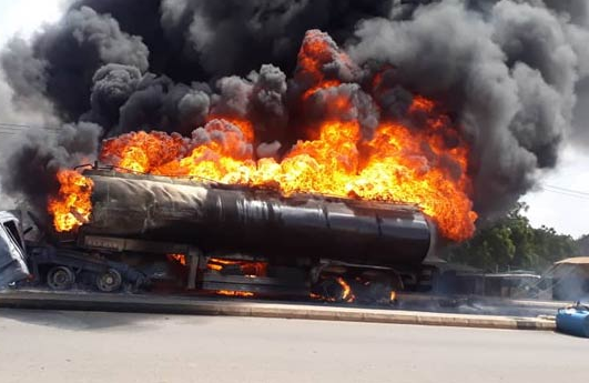 Petrol tanker explodes in Gombe (photos)