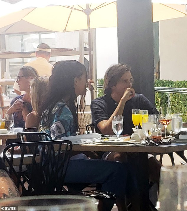 Malia Obama and her British boo Rory Farquharson enjoy brunch with his parents at a luxury Ojai resort (Photos)
