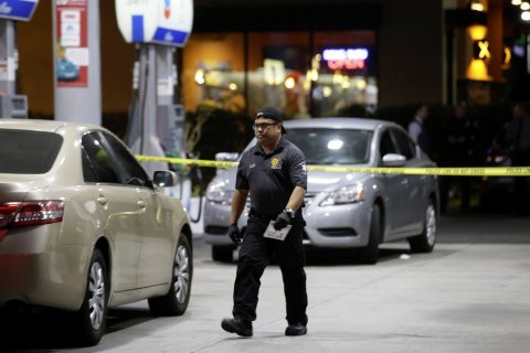 4 dead, 2 injured in another mass killing as man goes on two-hour rampage in Los Angeles