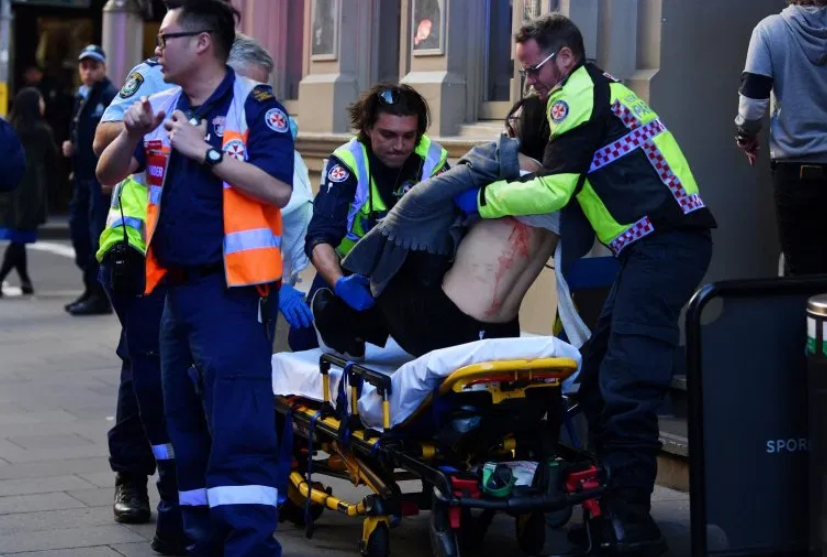 "Man goes on knife rampage as he shouts ""Allahu Akbar"" in Sydney (photos)"