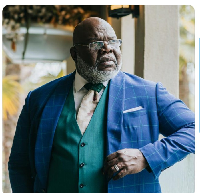 "Bishop TD Jakes amuses his followers as he substitutes his initials TD with ""The Drip"""