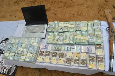 Police recover fake currencies in uncompleted building in Kano, arrest suspects