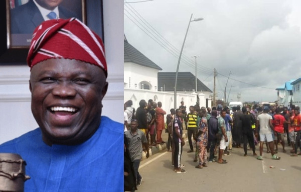 Moment Epe residents stopped EFCC operatives from entering Ambode