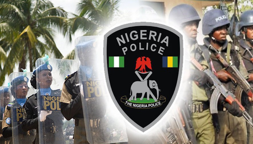 Three policemen remanded in prison for stealing rifles