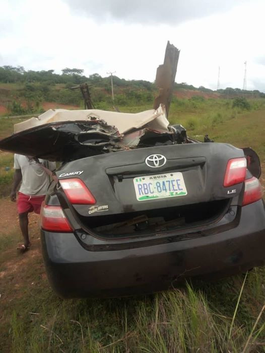 Photos from the scene of the accident that killed Nigerian mother and her two young children