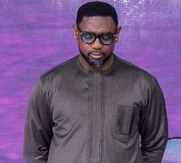 Alleged Rape: Police seize Pastor?Fatoyinbo?s International passport, conduct search on his house and?office