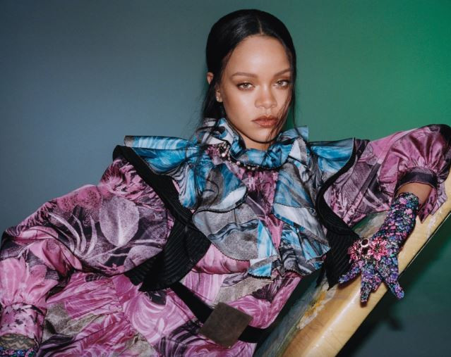Photos: Rihanna covers the September edition of?Vogue Hong Kong