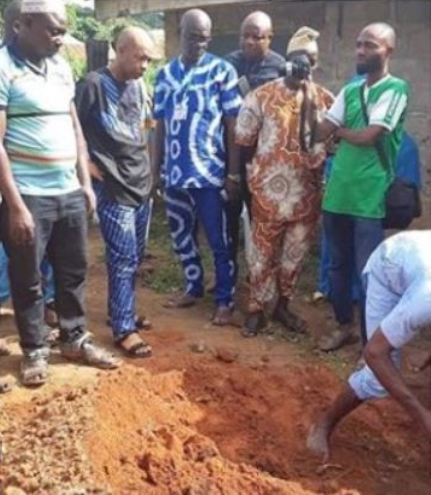 Comic actor Saka in tears as he loses his mum (photos/video)