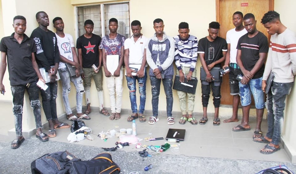 12 fraudsters arrested at Yahoo Yahoo School
