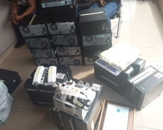 EFCC arrest 19 staff of a fake investment company that defrauded people to the tune of two billion naira in?Port Harcourt