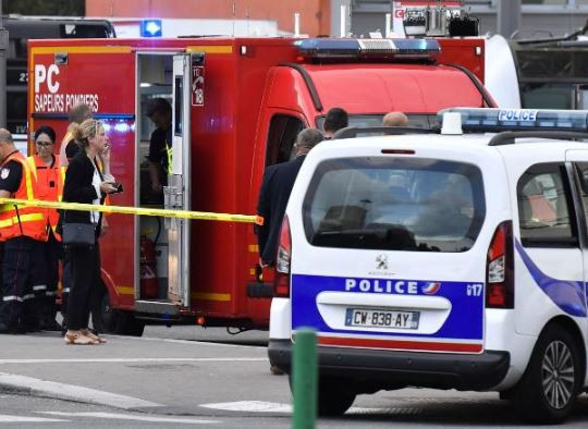 One person?killed, nine others wounded during a knife attack at a subway in France