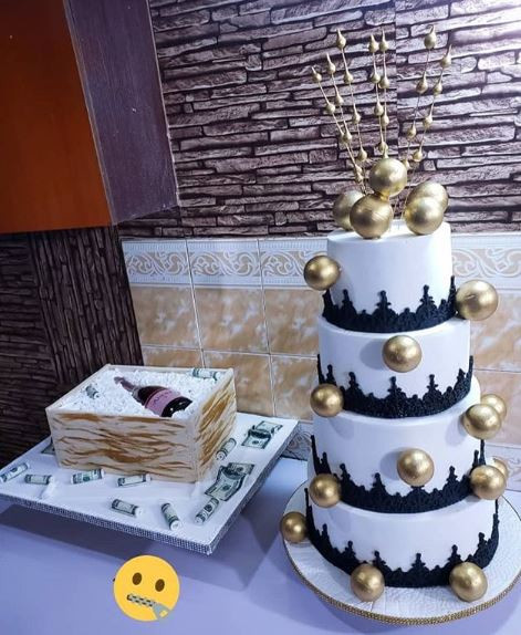 Prime Aftermath Of Police Invasion Bobrisky Offers To Give His Giant Personalised Birthday Cards Veneteletsinfo