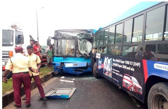 Two BRT buses involved in head-on collision leaves?many people injured in Ikorodu (Photos)