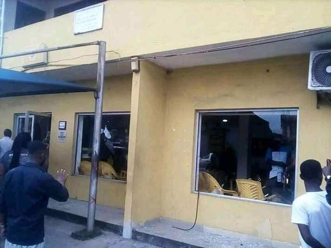 Xenophobia: Nigerians attack MTN office in Uyo (video)