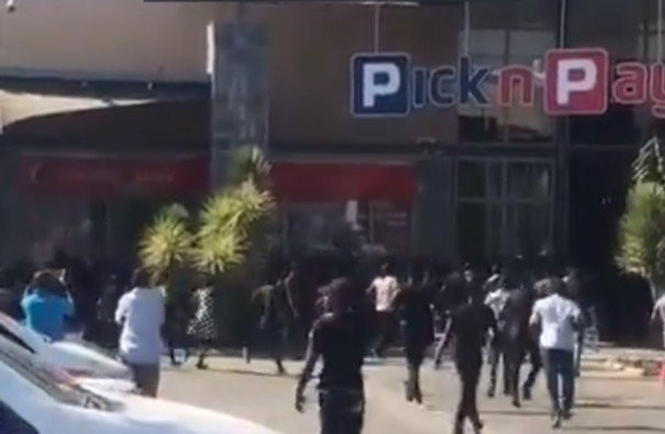 #Xenophobia: South African businesses attacked in Zambia, Zambian radio station to stop playing South African songs (videos)