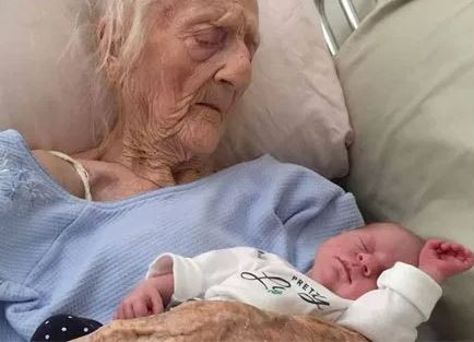 74-year old woman delivers twin baby girls after 54-years of marriage