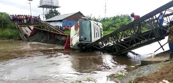 Bridge collapses in Bayelsa state as truck attempts to cross over ( Photos)