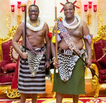 President of the African Development Bank,?Akin?Adesina goes shirtless as he?gets ?greatest honour? of his life in Swaziland (Photos)