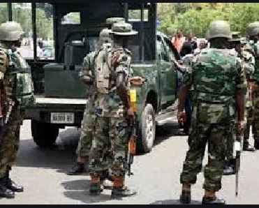 Nigerian soldier reportedly stabs man to death after a misunderstanding at anmarket in Niger State