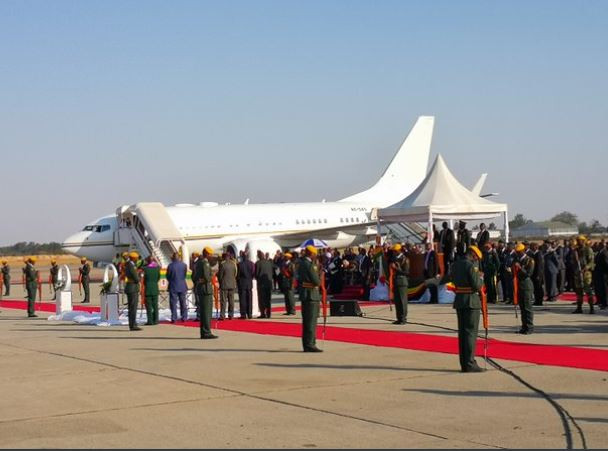 Robert Mugabe?s body arrives Zimbabwe from Singapore (Photos)