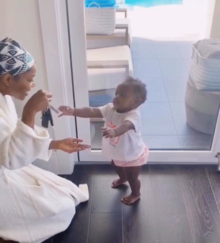 Gabrielle Union proudly shows off her daughter taking her first steps (video)