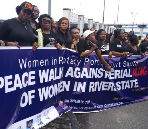 Angry women protest at DSS office over serial hotel killings in Port Harcourt (Photos/Video)