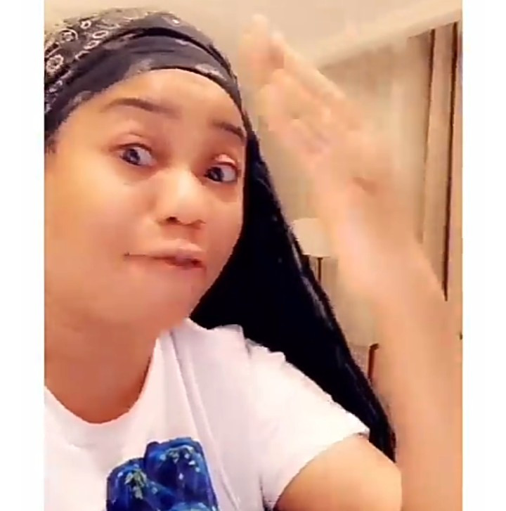 """You should be happy you have such creative like me in your f**** country. Your government is not working... You people are bitter sadistic people"" Toyin Lawani blasts Nigerians as she lists her achievements"