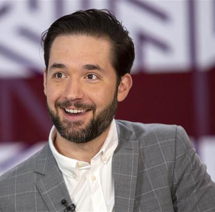 "Alexis Ohanian recalls the time Yahoo! told him his startup Reddit was a ""rounding error"" as he reacts to Yahoo"