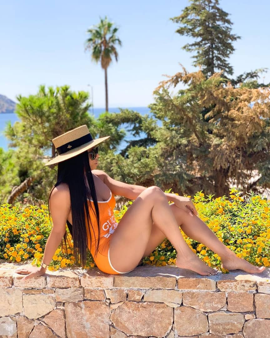 Toke Makinwa shows off her flawless skin in sexy swimwear photos