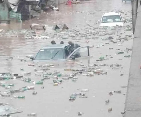 Flood kills polytechnic student while controlling traffic in Delta State