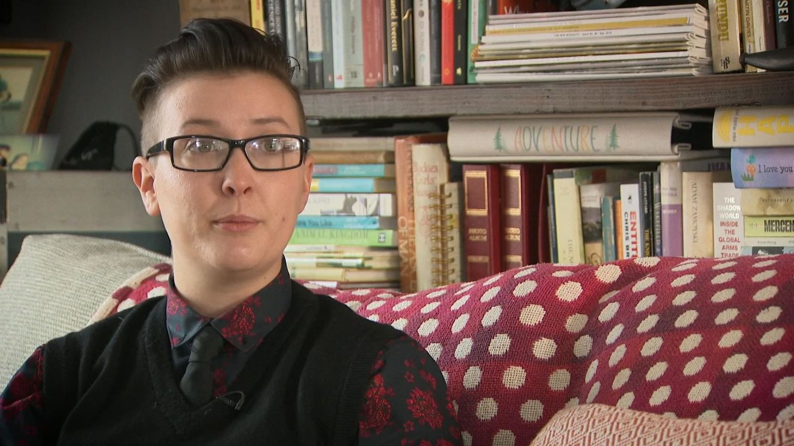 Hundreds of young transgender people seeking help to return to their original sex