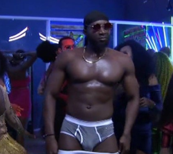 Here's the moment TuoHere's the moment Tuoyo stripped to his pants on live TV during the final #BBNaija party (Photos)yo stripped to his pants on live TV during the final #BBNaija party (Photos)