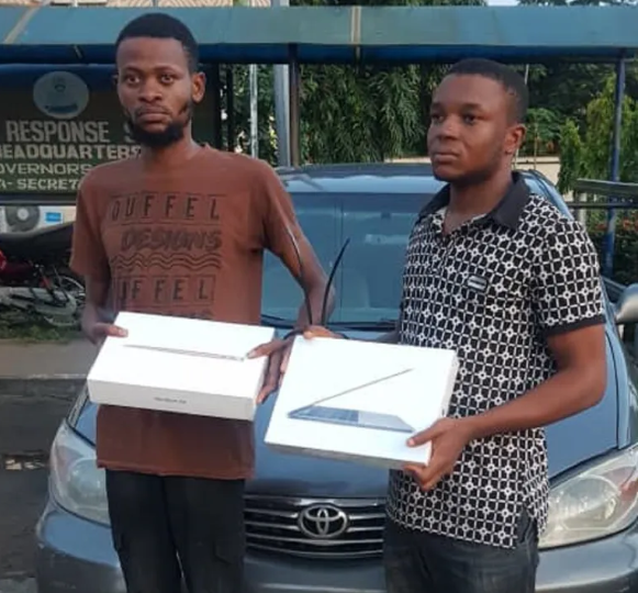 South African returnee arrested for stealing three laptops valued at N1.5million at gunpoint in Lagos