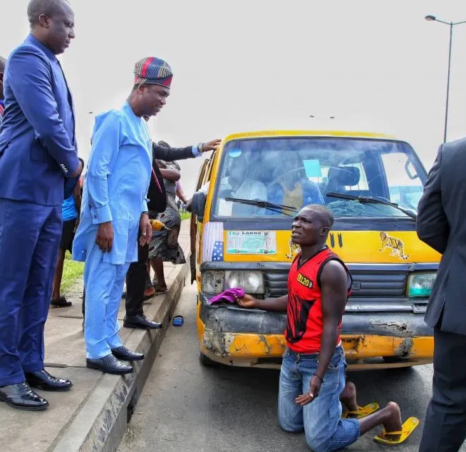 Lagos deputy governor, Femi Hamzat arrests several drivers for 'driving against traffic' (Photos)