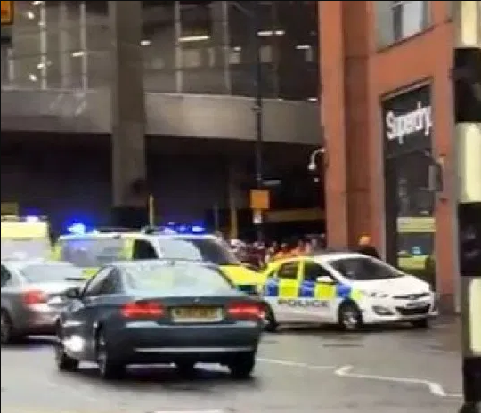 Manchester shopping centre evacuated and