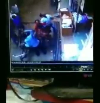 Moment a child, 3, fell from a story building in India and fortunately landed on a rickshaw passing by below (video)
