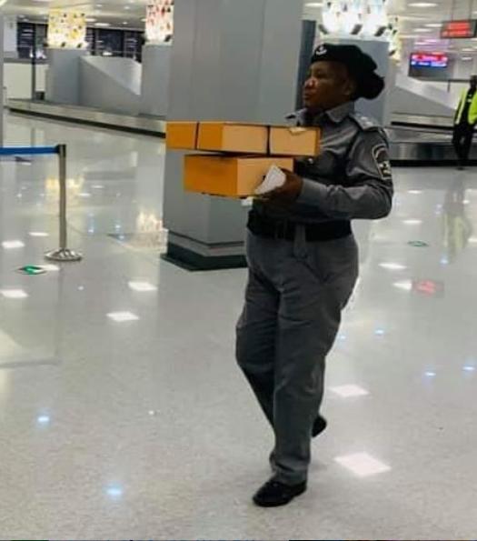 Customs slams N165,000 Duty on traveler for designer bag