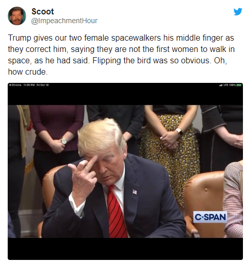People are convinced Donald Trump flashed the middle finger during talk with astronauts (video)