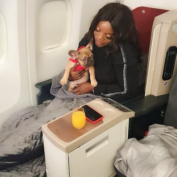 Empress Njamah flies business class with her dog (photos)
