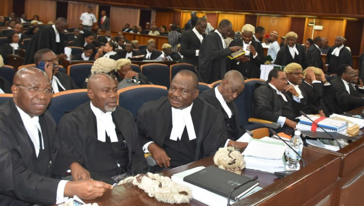 Oshiomhole exchanges greetings with Peter Obi and Uche Secondus as Supreme Court presides over Atiku