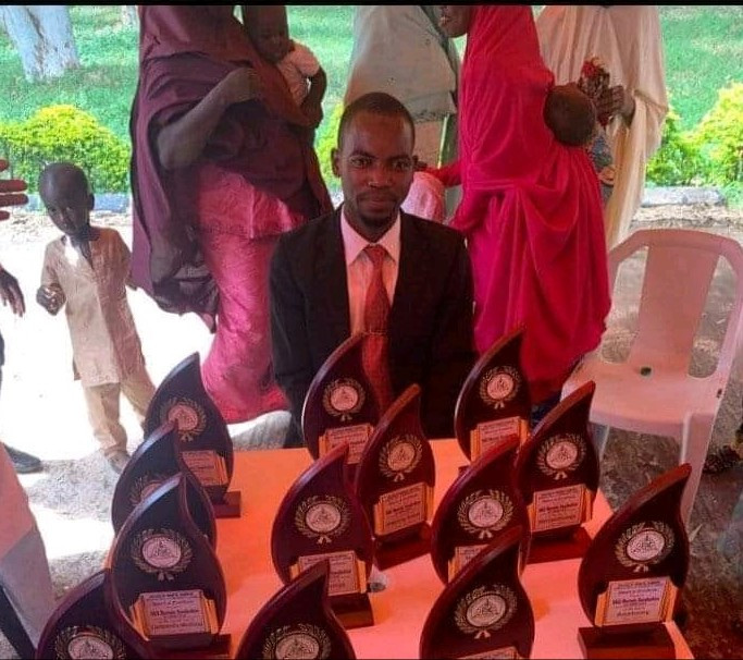 Best graduating medical student from ABU Zaria get 13 more awards as he emerged best in all the medical school subjects