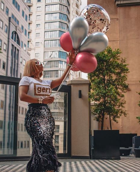 Toke Makinwa shares sexy new photos to celebrate her 35th burthday