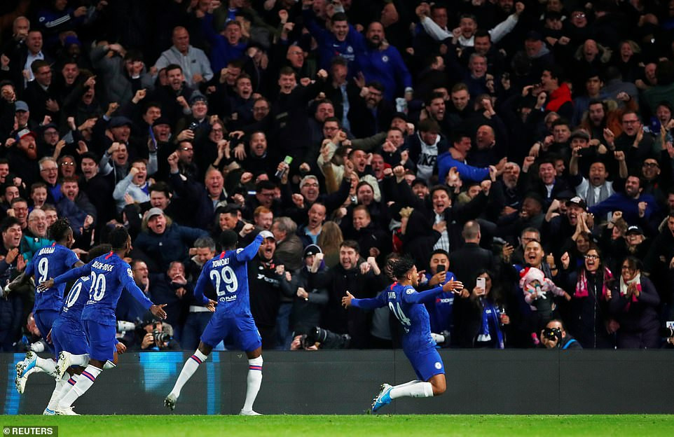 Chelsea battle from 4-1 to draw 4-4 with Ajax in UEFA Champions League