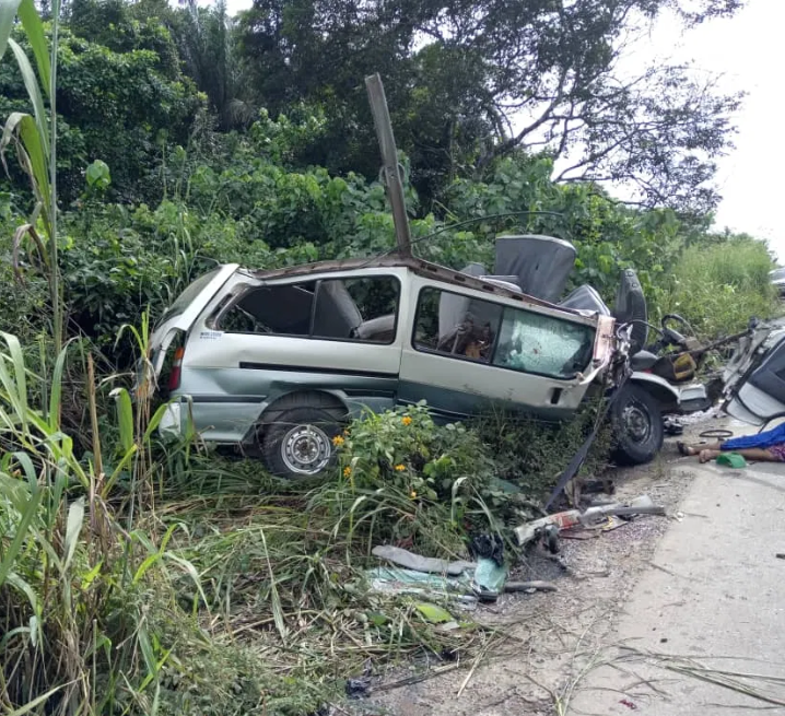 13 die, 14 injured in Ogun road accident
