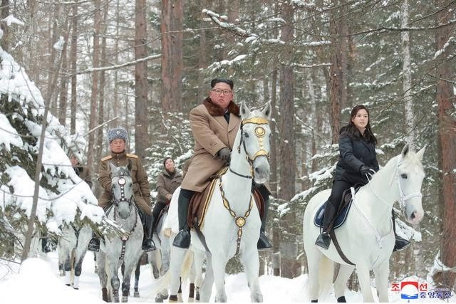 With Nuclear talks deadline approaching, North Korea warns US to expect a Christmas gift as Kim Jong Un rides white horse up sacred mountain