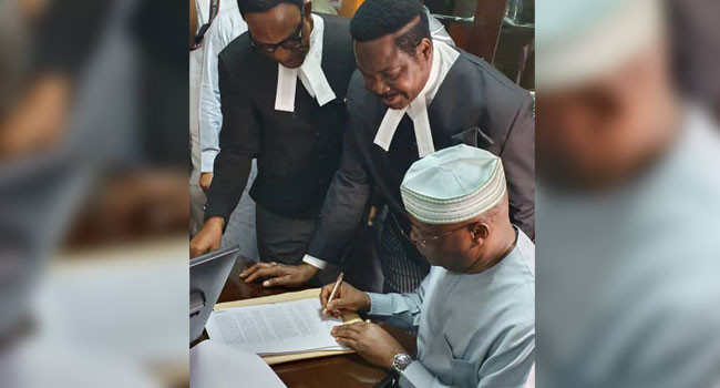 Atiku appears in court, signs N2.5bn libel suit against Lauretta Onochie