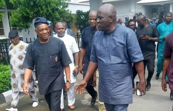 ''Don't handcuff me in public'' Orji Uzor Kalu begs prison warders as court sentences him to 12 years imprisonment