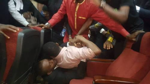 (Photos) DSS Allegedly Tries Re-arresting Omoyele Sowore In Court Room Today